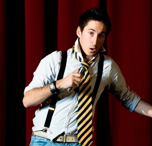 L'école du rire à Nantes propose des cours de théâtre sur le thème de l'humour, rejoignez le cours de one man show